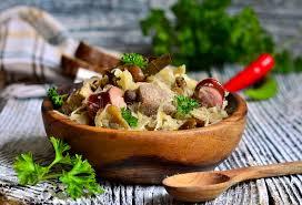 cuisine polonaise traditionnelle plat bigos traditionnel de cuisine polonaise photo stock image du