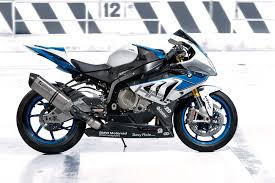 Bmw S1000rr Review 2013 2015 Bmw S1000rr Hp4 The Last Superbike You U0027ll Ever Need