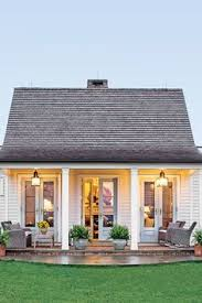 Homes With Front Porches Love The Front Porch Home Decor Pinterest Front Porches