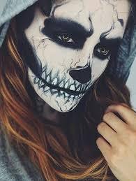 maquillaje halloween esqueleto con capucha disfraces halloween