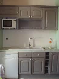 cuisine peinte en gris cuisine grise plan de travail blanc idées pour la maison