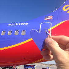 former southwest airlines retired boeing 737 heart keychain