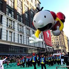 macy s thanksgiving day parade 2017 live images route start time
