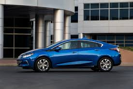 nissan leaf vs chevy volt chevrolet volt sales rise 17 in may