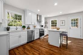 white shaker kitchen cabinets wood floors buy white shaker assembled kitchen cabinets