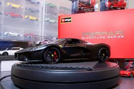 koenigsegg bburago lamley unboxing a look at the bburago diecast ferraris part 1