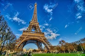 la tour eiffel beautiful winter day in paris eiffel tower