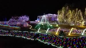 christmas disney world christmas light show is extraordinary and