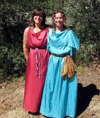 ancient roman clothing a roman woman wearing a tunic and a palla