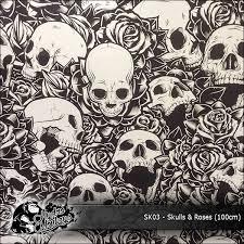 skulls and roses 100cm