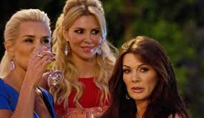 brandi house wives of beverly hills short hair cut brandi glanville quits real housewives of beverly hills for good
