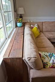 meuble derriere canapé des idées d objets et mur pour vôtre salon avec des palettes