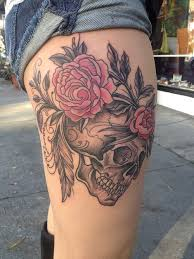 skull and flowers thigh