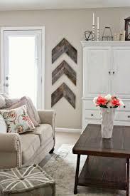 deko ideen f rs wohnzimmer rustikal holz paletten wandgestaltung