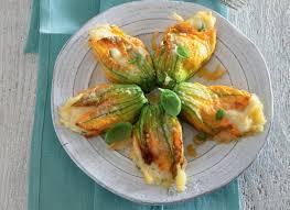 fiori di zucca in forno ricetta fiori di zucca ripieni di patate cucchiaio d argento