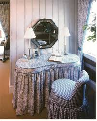 kidney shaped table for sale looking to buy a skirted kidney shaped vanity table like this one