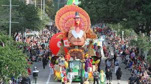 thanksgiving parade online live your guide to the h e b thanksgiving day parade khou com