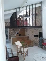 bureau en mezzanine verrière en mezzanine et suspension type atelier interior