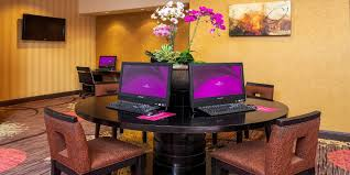 restaurant manager at crowne plaza concord walnut creek