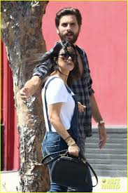 Khloe Kardashian Memes - scott disick posts hilarious meme of khloe kardashian photo