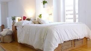 agencement chambre aménager une chambre en longueur nos conseils côté maison