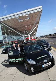 lexus woodford hills toyota prius joins leading uk airport taxi fleet toyota uk media