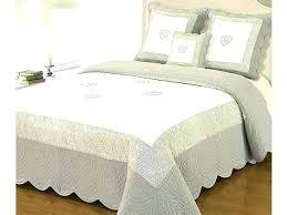 jeté de canapé alinea dessus de lit alinea couverture lit pas cher alinea couvre lit