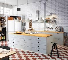 cuisine bois peint ilot de cuisine notre sélection de modèles pratiques et déco