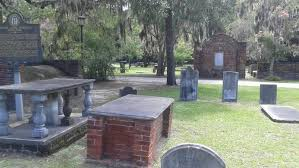 cemetery headstones colonial park cemetery atlas obscura