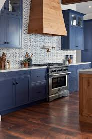 what color floor with blue cabinets blue cabinets with granite countertops design ideas