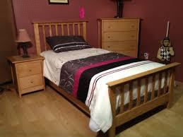 chambre en merisier mobilier de chambre à coucher pour enfant en merisier enfant