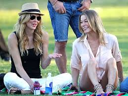 brandi glanville hair extensions leann rimes and brandi glanville demonstrate how to fake civility