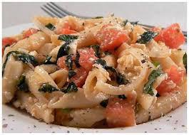 cuisiner le basilic recette de pennes aux tomates basilic et feta