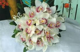 Wedding Flowers August Philippine Wedding Trends What U0027s Your Bridal Bouquet Color