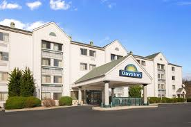 1 Bedroom Section 8 Apartments by Days Inn U0026 Suites Kansas City South 2017 Room Prices From 65