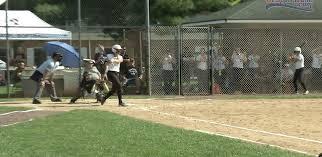 hot softball bats caravel s softball bats stay hot in win c r