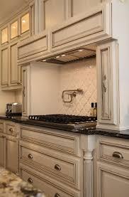 Glazed Kitchen Cabinet Doors Best 25 White Glazed Cabinets Ideas On Pinterest Kitchen Antique