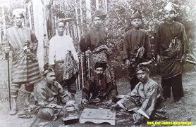 baju kurung moden zaman sekarang sejarah baju melayu yang dulunya dikenali sebagai baju kurung soscili