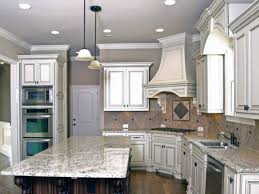 pictures of kitchen backsplashes with white cabinets kitchen backsplash white shaker cabinets gray granite