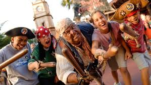 how to create a captain jack sparrow pirate costume captain jack sparrow s pirate tutorial walt disney world resort