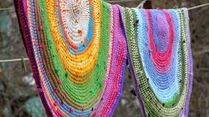 How To Make T Shirt Yarn Rug How To Crochet A Rug With Yarn U0026 Old T Shirts Make
