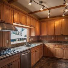 Shaker Style Kitchen Cabinets by This Is It Why People Like To Use Shaker Style Kitchen Cabinets