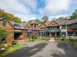 6 Bedroom Real Estate A Grand And Intimate Eye Catching 6 Bedroom