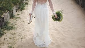 wedding dress photography 100 wedding dress pictures free images on unsplash