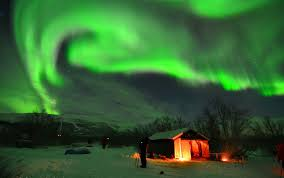 how do the northern lights happen beautiful aurora what makes it happen astro bob