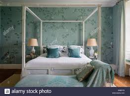 Poster Wallpaper For Bedrooms De Gournay Chinoiserie Silk Wallpaper In Elegant Bedroom With Four