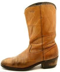 dingo boots s size 11 dingo mens cowboy boots size 9 5 d light brown leather