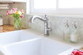 delta saxony kitchen faucet delta cassidy kitchen faucet home design ideas and pictures