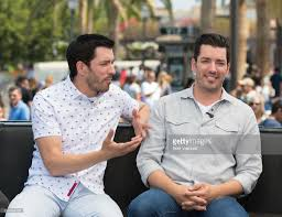 Drew And Jonathan Rachel Lindsay And Property Brothers Visit
