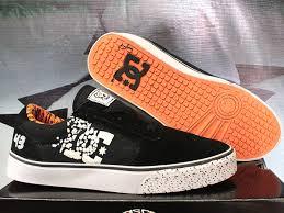 Foto Sepatu Dc Distro jual sepatu casual sepatu dc sepatu convers dc 43 hitam orange